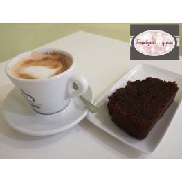 Café + Bizcocho de Chocolate