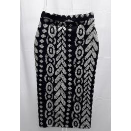 Falda Estampada Blanco y Negro (70% Poliester 30% Algodon )