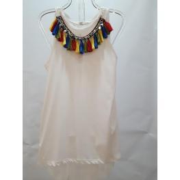 Camiseta Blanco Collar Pompones Colores Cuello