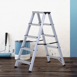 Homcom® Escalera de Tijera Aluminio Plegable Escalera Doméstica de Mano Ambos Lados 5 Peldaños Carga 150Kg  -